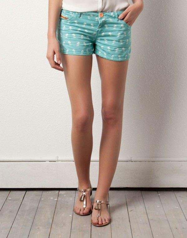 pullbear-shorts-con-stampa-colorata